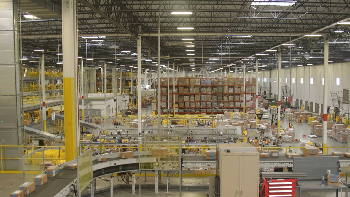 Amazon Is Being Sued for Mischaracterizing Warehouse Worker, Denying Him Overtime