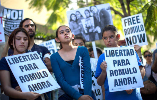 Daughters of Romulo Avelica-Gonzalez, Jocelyn, 19, (L) Fatima, 13, and Yuleni, 12, (R), attend a rally for his release outside U.S. Immigration and Customs Enforcement (ICE) offices on March 13, 2017 in Los Angeles.