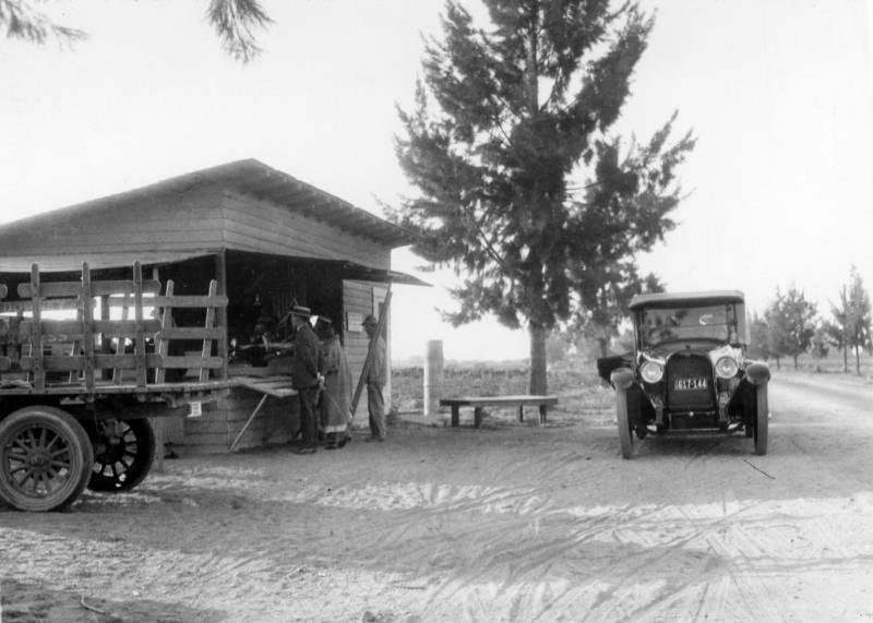Knott's original berry stand, Buena Park, California, circa 1926.