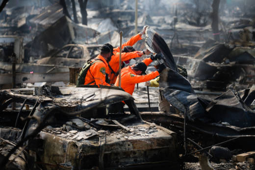 Search and Rescue personnel look for human remains in the Journey's End Mobile Home park following the Tubbs Fire on Oct. 13, 2017 in Santa Rosa.
