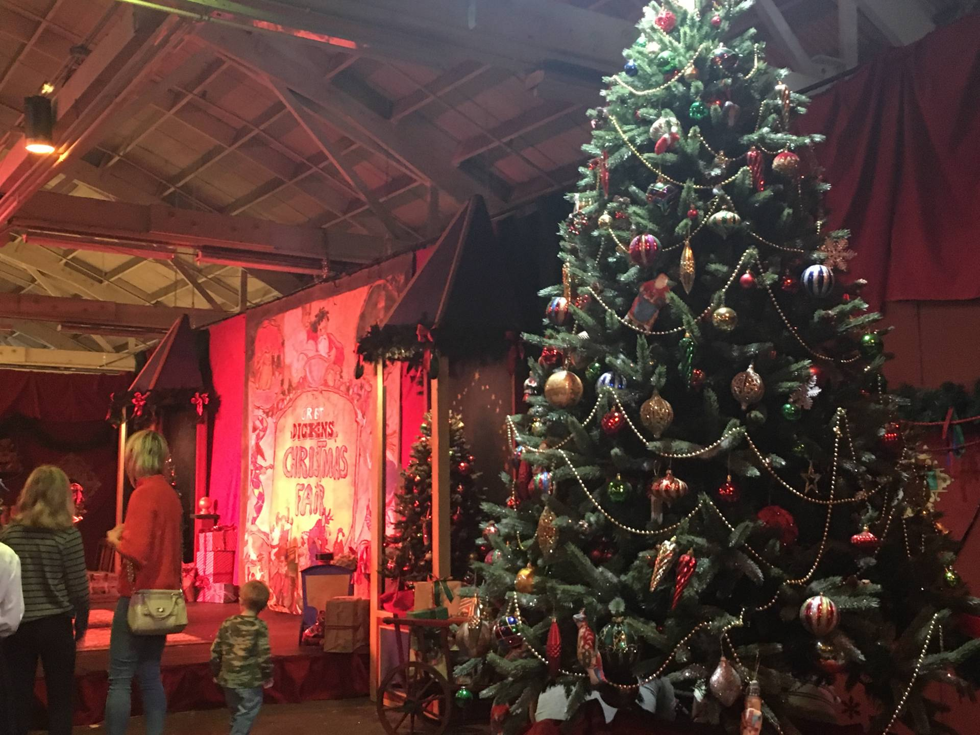 its opening weekend of the great dickens christmas fair an immersive event that brings participants