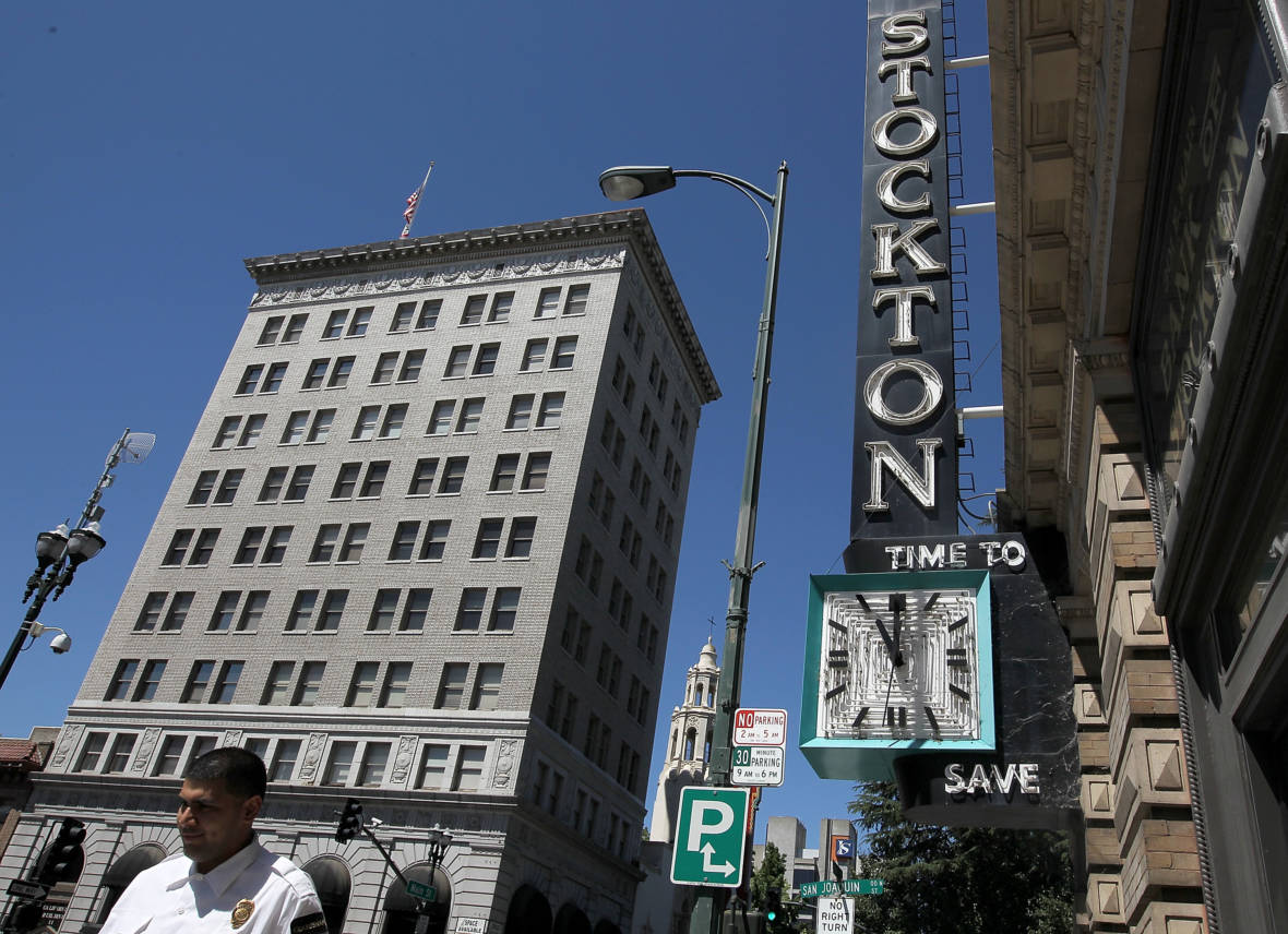 Stockton Gets Ready to Experiment With Universal Basic Income