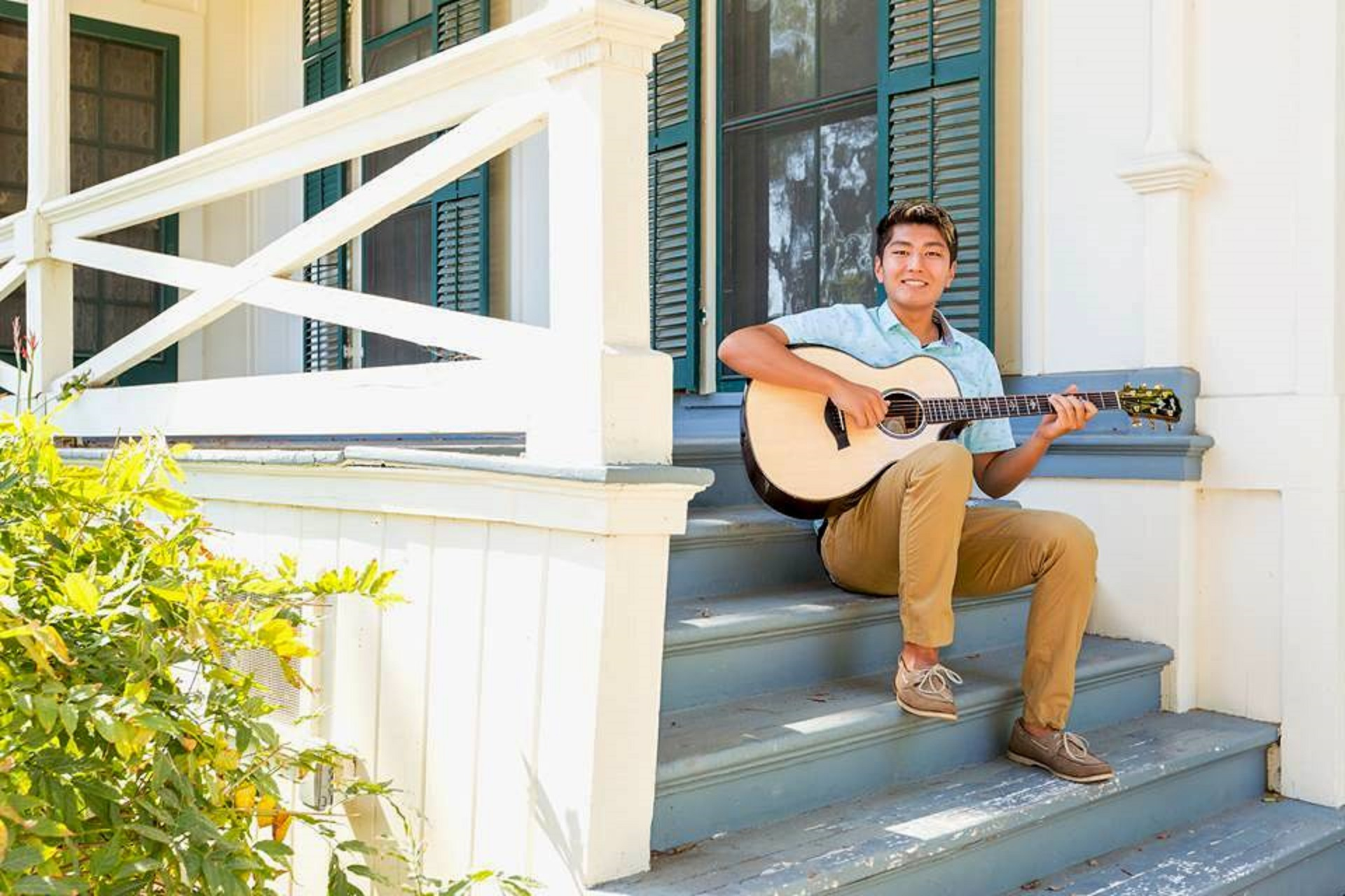 Young Songwriter Sings Praises of Community in Aftermath of Fire, Mudslides