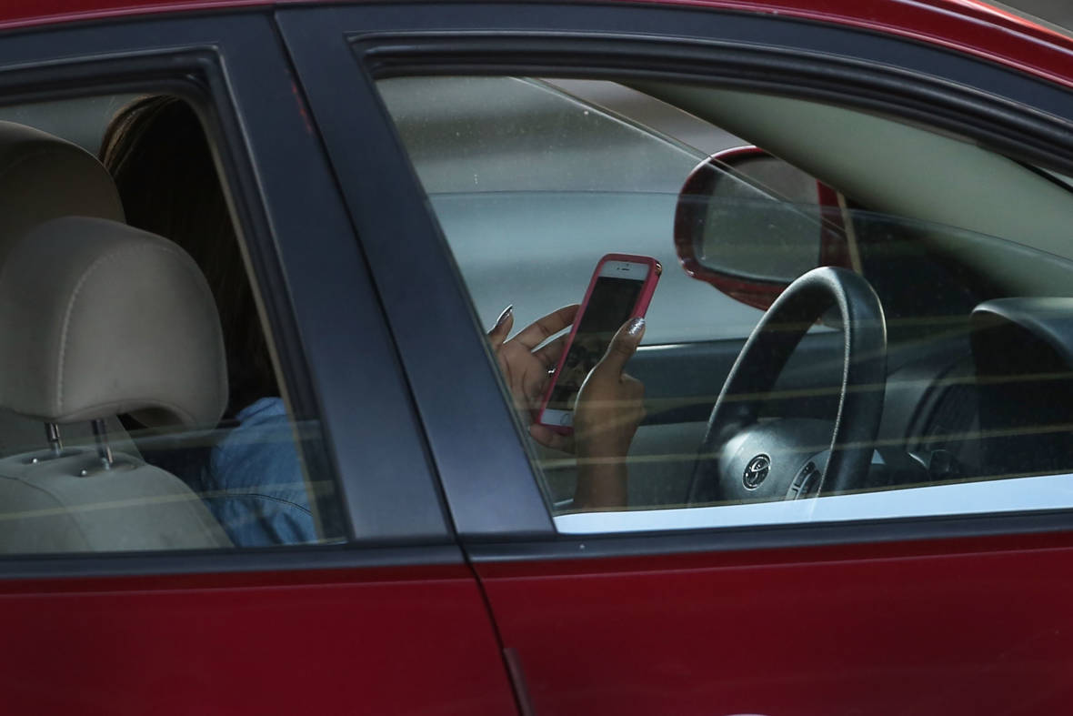 Study Finds Drop in Hand-Held Cellphone Use by California Drivers