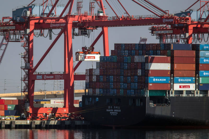 A crane lifts a container from the Hanjin Greece container ship at the Port of Long Beach in 2016.