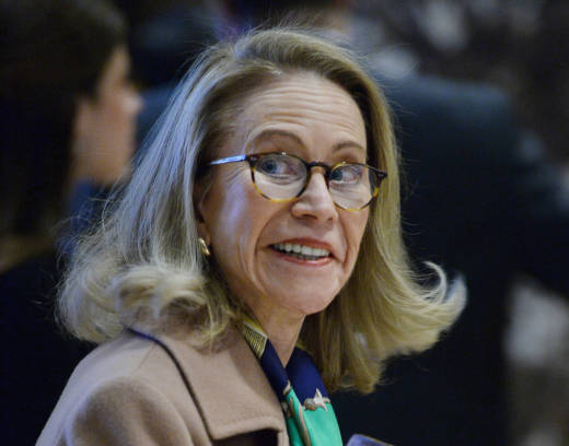 The White House will withdraw its controversial nominee, Kathleen Hartnett White, to lead the Council on Environmental Quality.