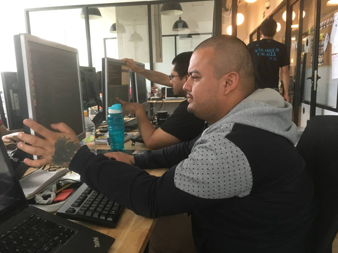 Socially-Driven Start Up Helps Deportees and Returnees Learn to Code in Mexico City