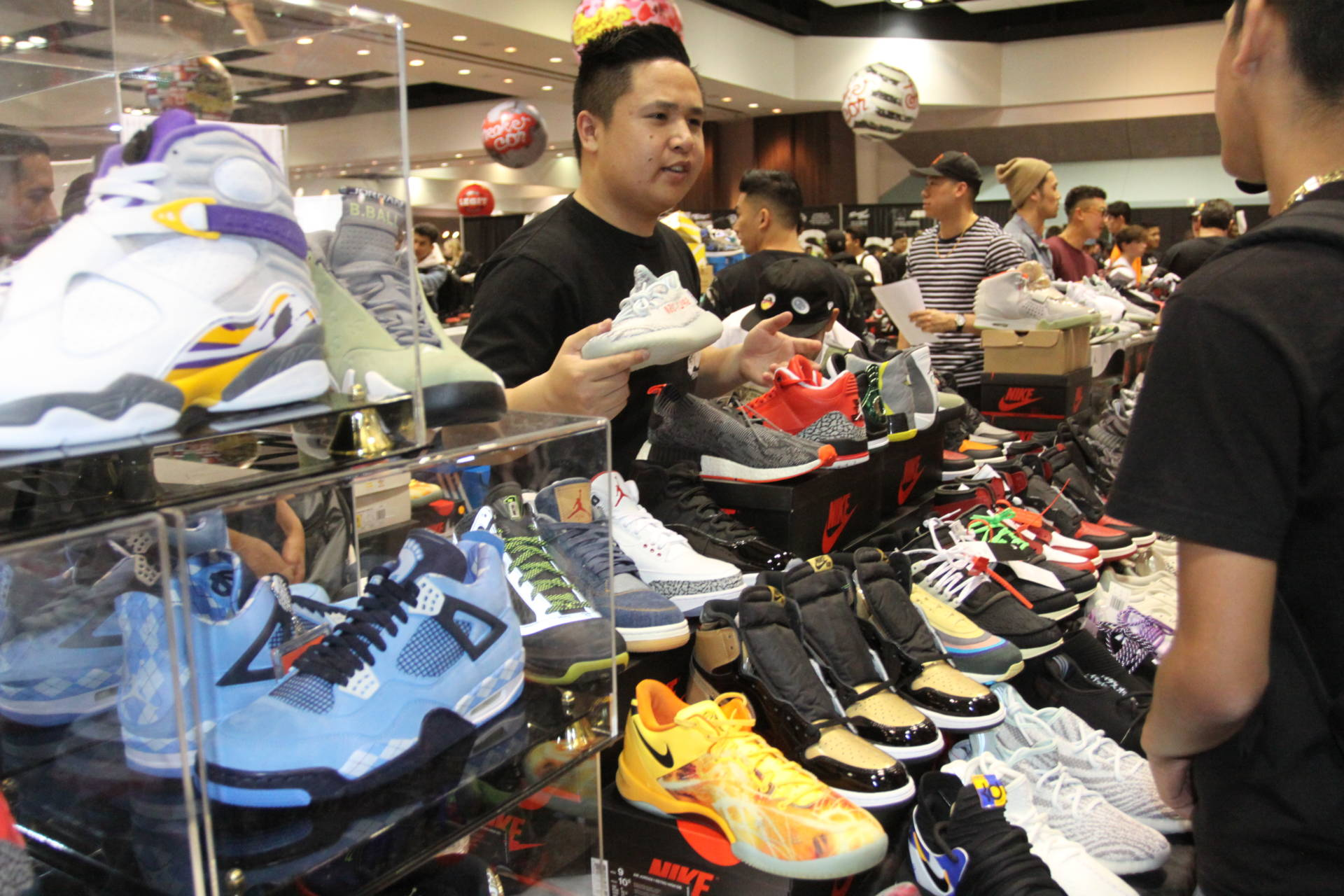 c70dade5b6c3 Shoe Enthusiasts Line Up for South Bay s Sneaker Con Convention ...