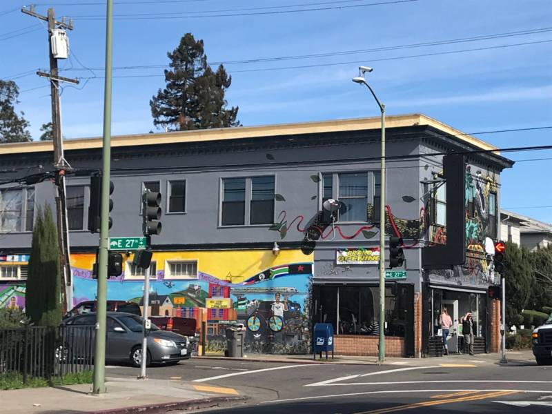 Oakland Cafe That Won't Serve Police Draws Protests