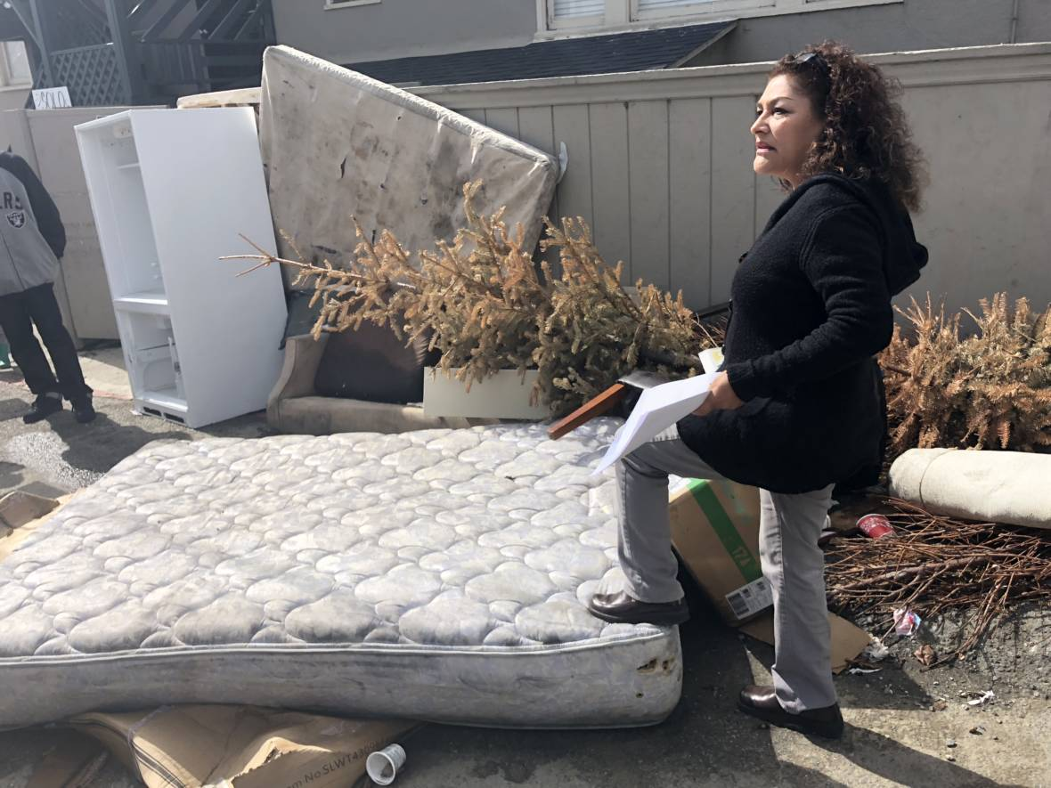East Oakland Residents Want Their Neighborhoods Cleaned Up