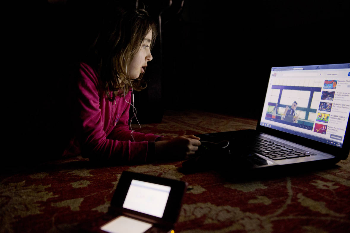 Child Advocates and Consumer Groups Ask FTC to Investigate YouTube