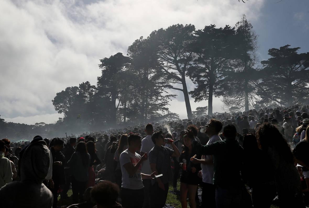PHOTOS: Pot Fans Join 420 Smoke-Out in San Francisco