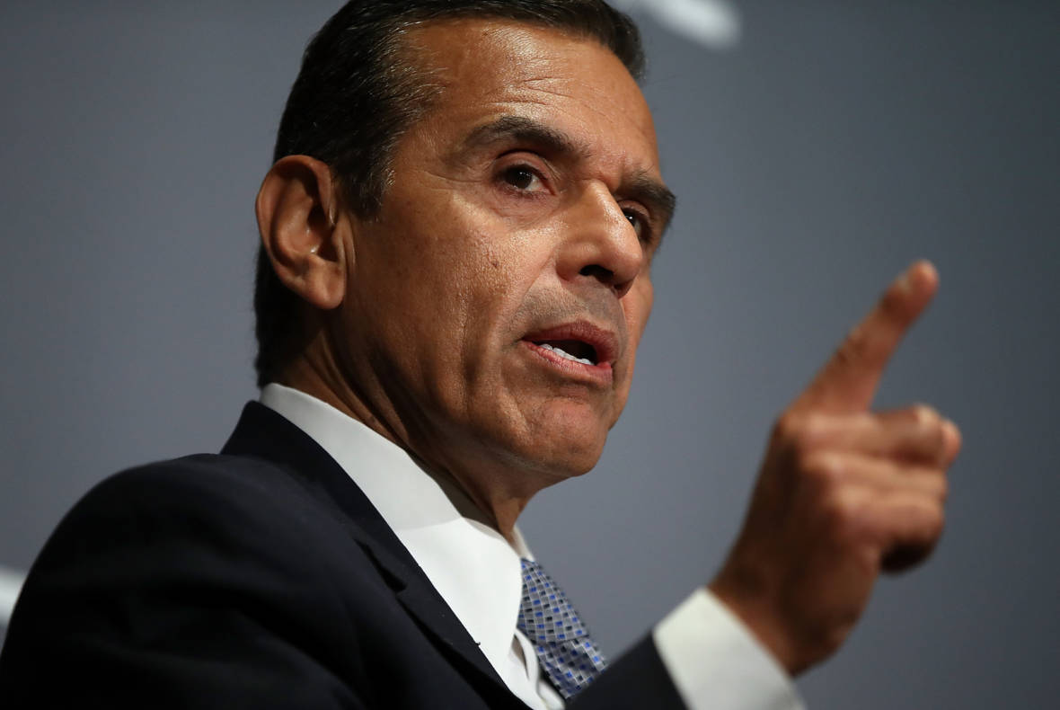 Charter Schools Supporters Seek to Prop Up Villaraigosa in Governor's Race