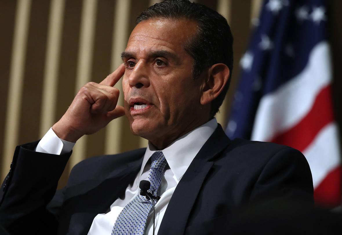 News Analysis: Why Big-City Politician Villaraigosa Is Spending So Much Time in Farm Country