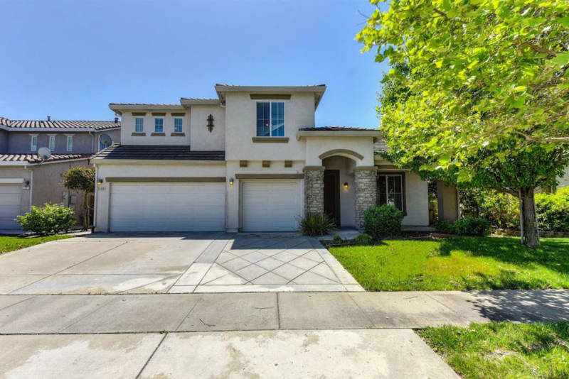 A house in the Elk Grove suburb of Sacramento priced at nearly $500,000.