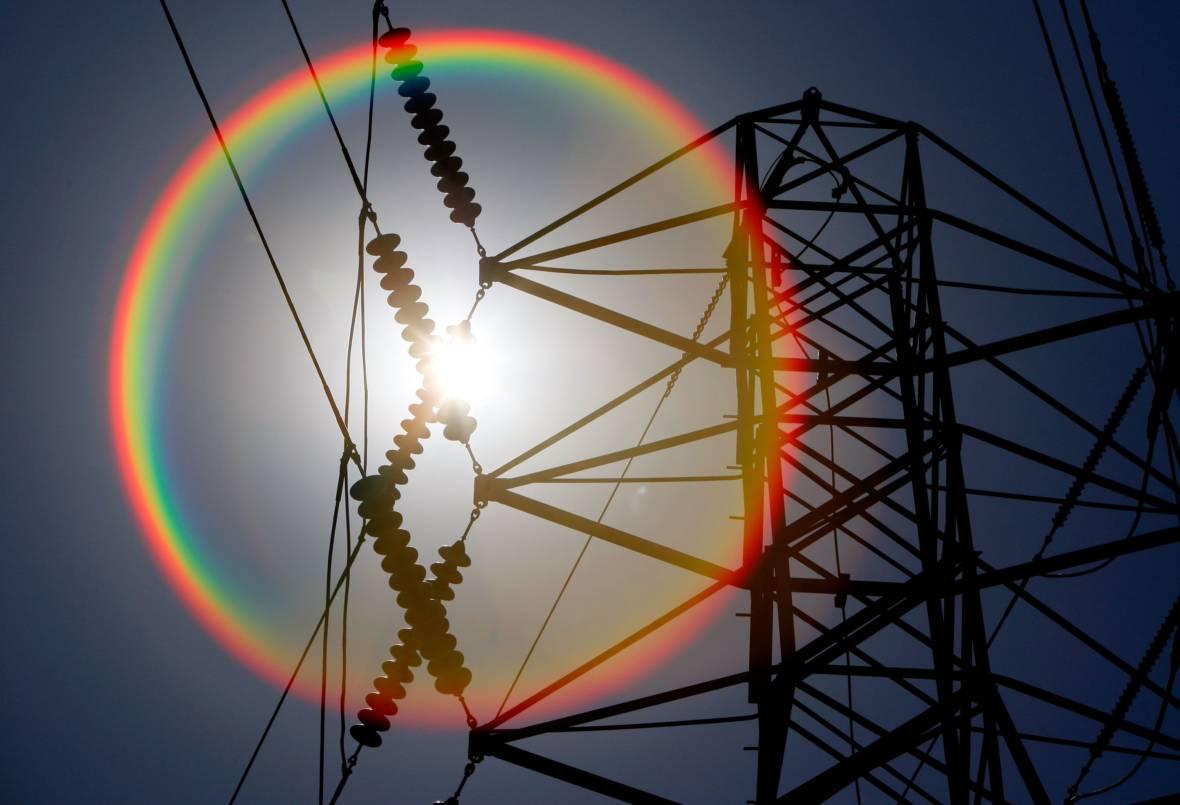 California Lawmakers Debate Creating Regional Electric Grid