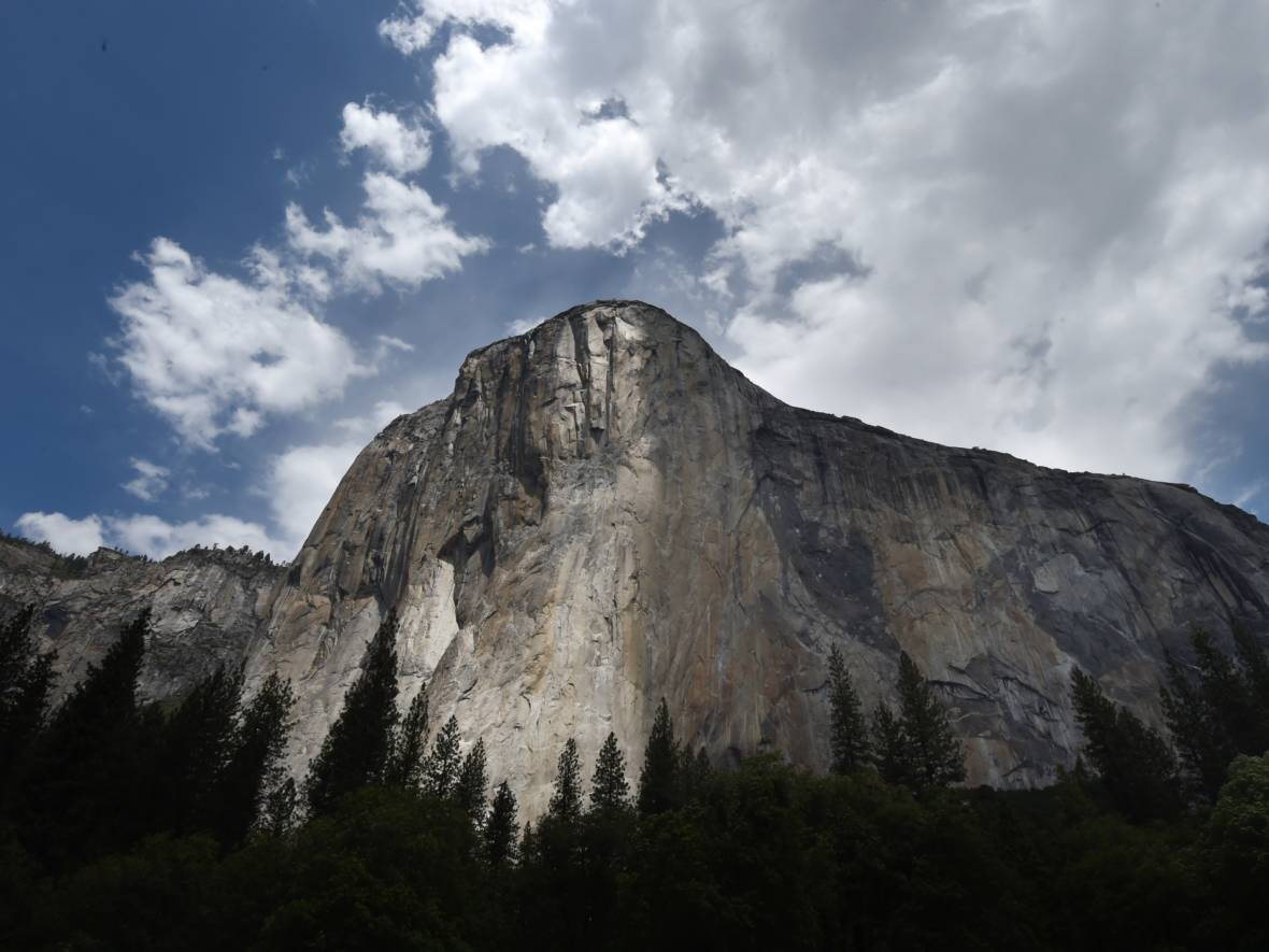 Landmark Climb: Alex Honnold and Tommy Caldwell Scale El Capitan in Under 2 Hours