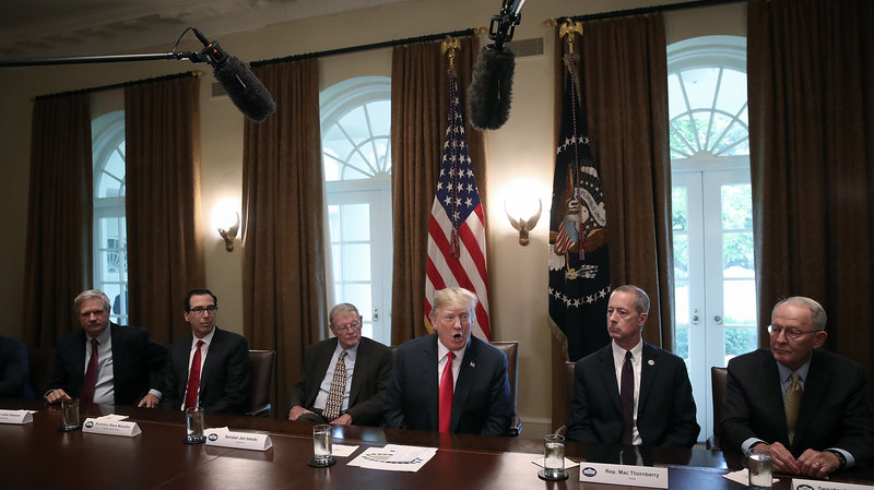 Trump Signs Order to End Family Separations