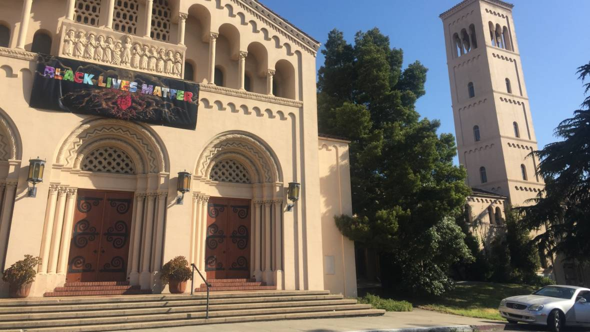 Oakland Church Steps Out on Faith and Pledges to Stop Calling Police