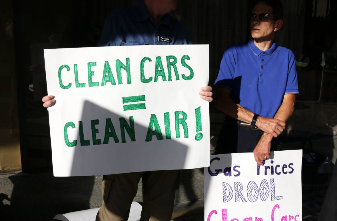 California Officials Call on Trump to Drop Rollback of Fuel Standards