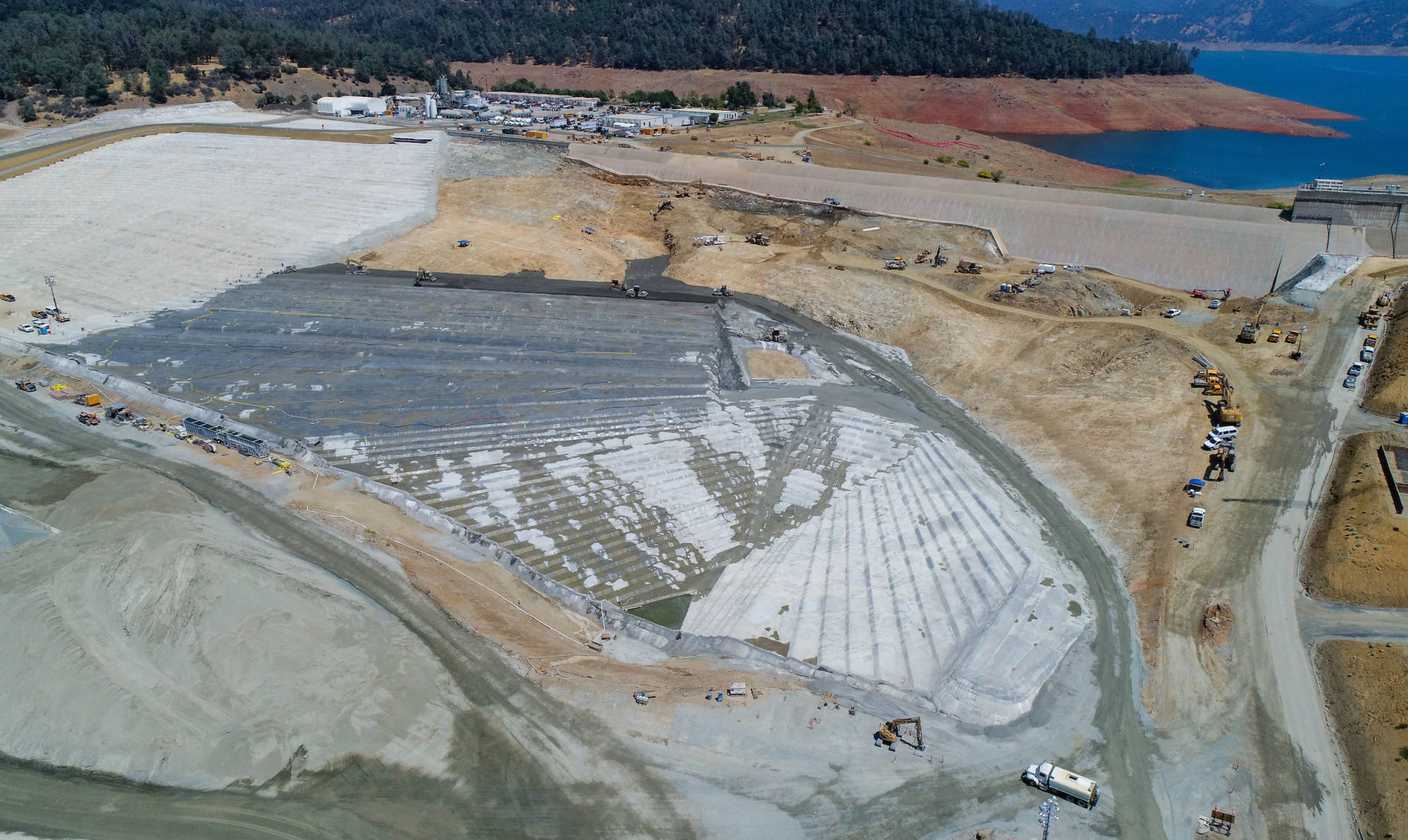 A drone provides a bird's-eye view of construction on the Lake Oroville emergency spillway/. Ken James/California Department of Water Resources