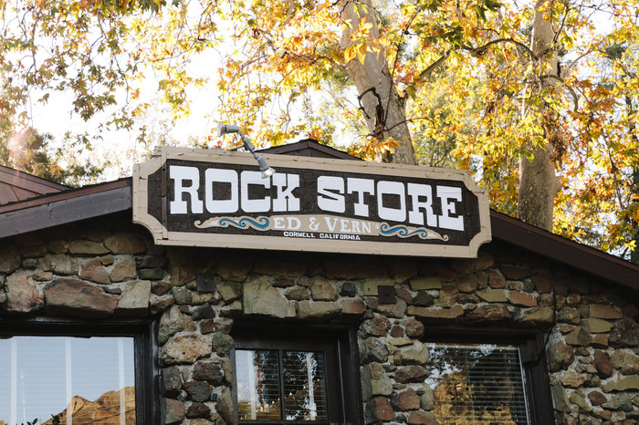 Built from volcanic rock, the Rock Store building was formerly a stagecoach stop in the 1910s. At first, Ed and Vern Savko opened it as a small town grocery store.