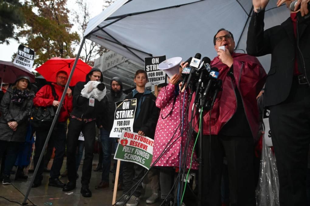 Los Angeles Teachers Union Hints at New Talks During Strike