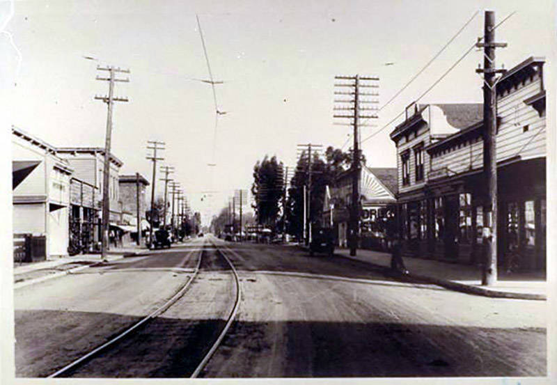 Main Street (present-day El Camino Real) in Mayfield in about 1909.