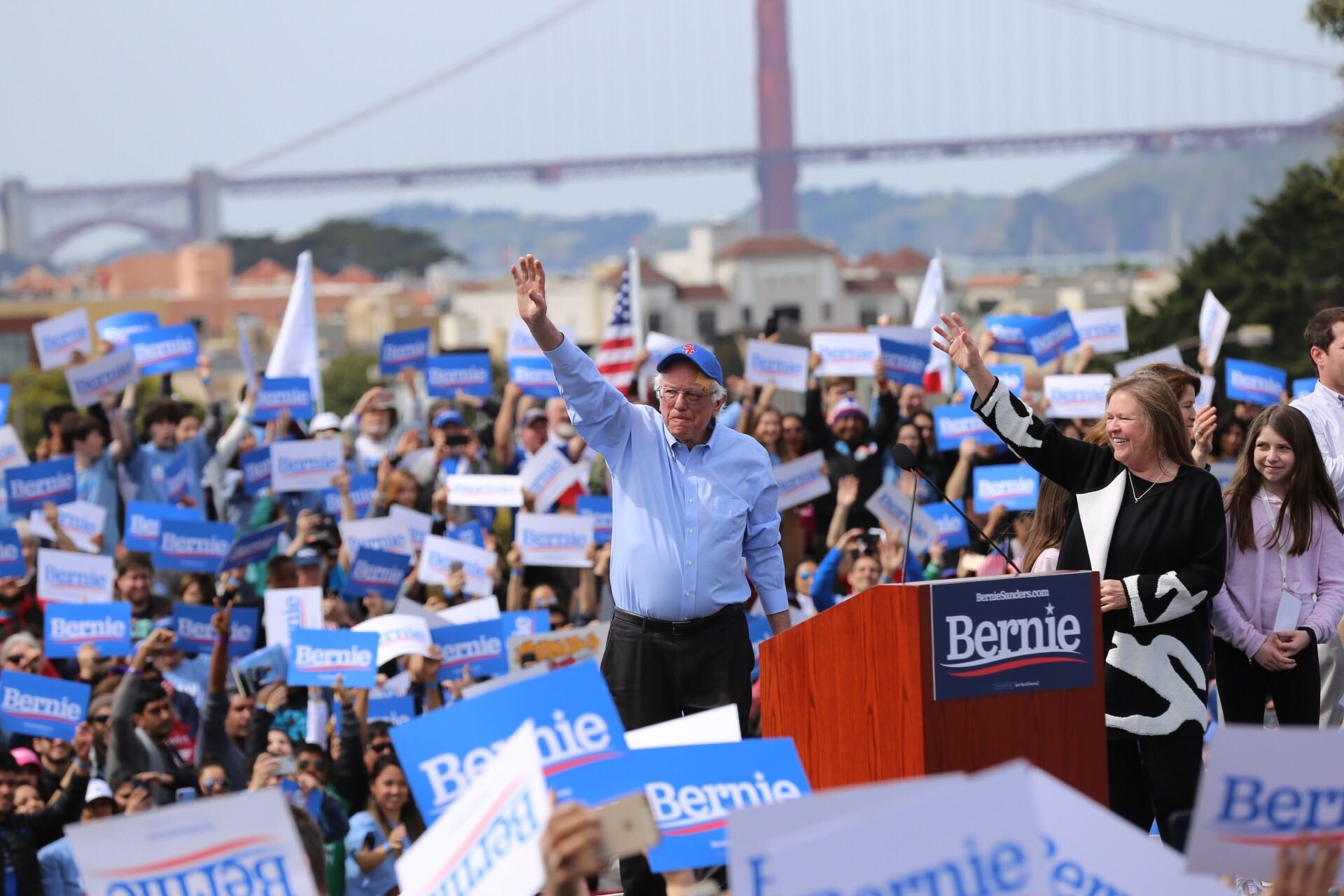 PHOTOS: Thousands Welcome Bernie Sanders to San Francisco in Second Run for President