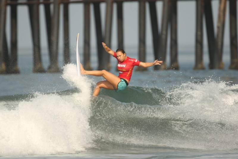 Women Surfers Push Beyond Equal Pay—Even if it Means Letting Men Into the Water, Too