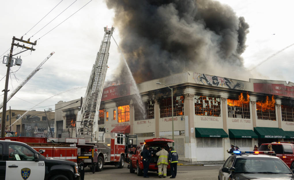 Oakland Firefighters Snuff Out 3-Alarm Fire in Electrical Warehouse