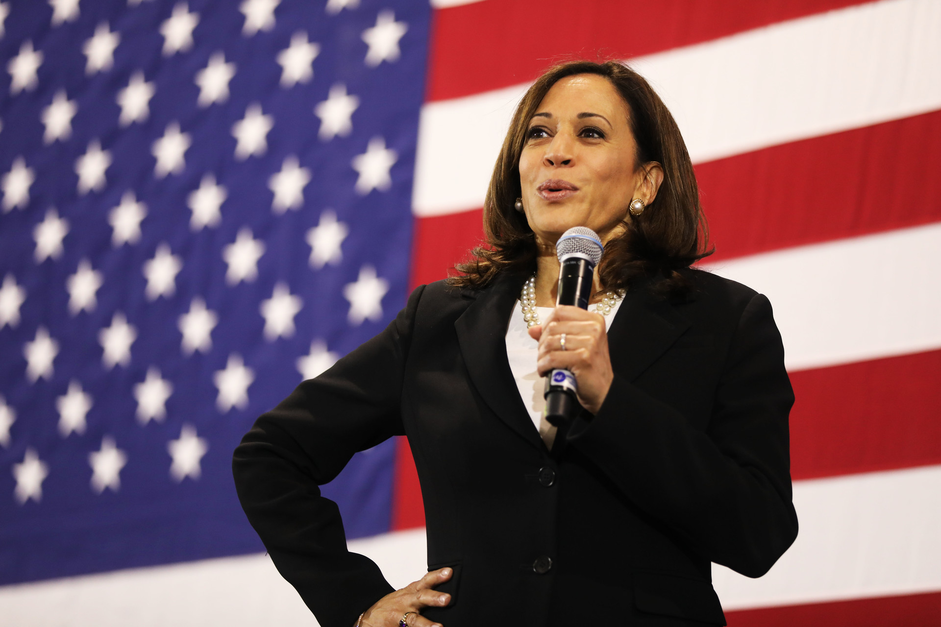 Equal Pay for Women? Kamala Harris Says She'd Hold Companies Accountable