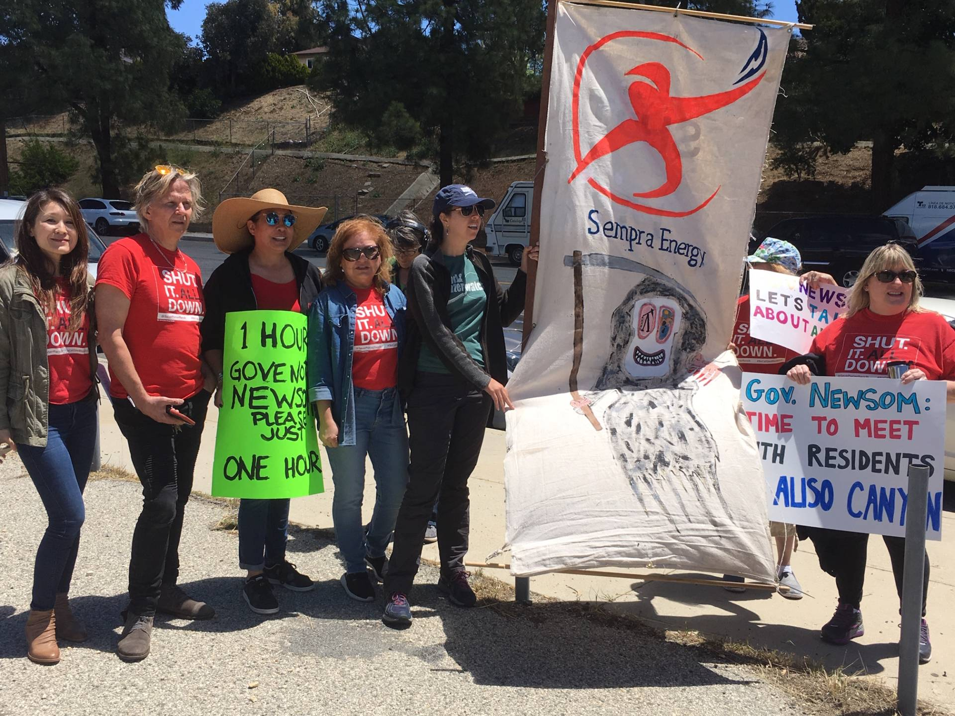 Residents Renew Calls to Shut Down Gas Facility After SoCalGas Blamed for Aliso Canyon Leak