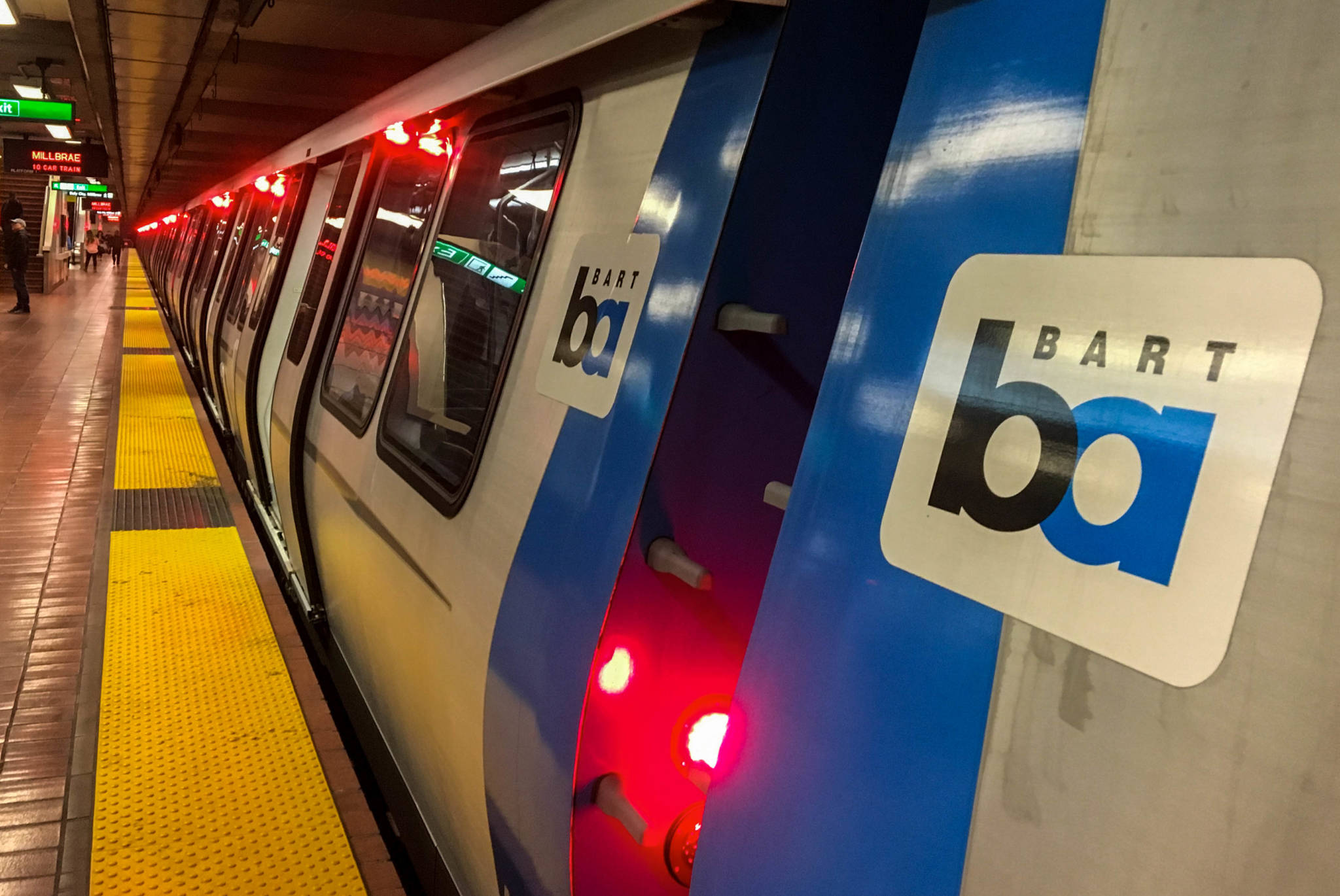 BART Passengers Forced to Walk After New Train Breaks Down in Oakland Tunnel
