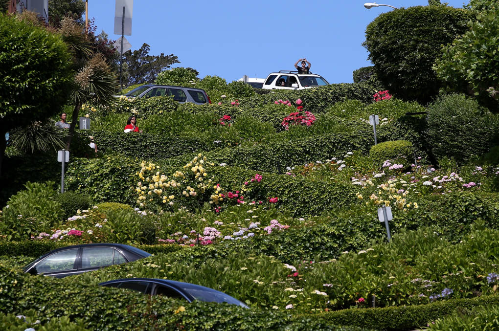 Proposed Toll for San Francisco's Lombard Street Clears Senate Hurdle