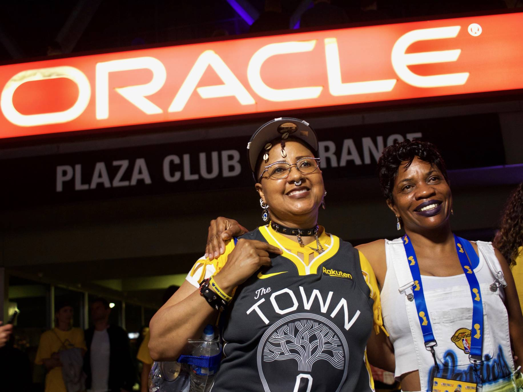 16307d4c350fef Dub Nation Gives Final Roar at Oracle Despite Game 6 Loss | The ...