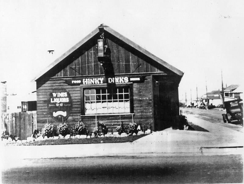 Victor Bergeron opened Hinky Dinks at 65th and San Pablo in Oakland in 1934.