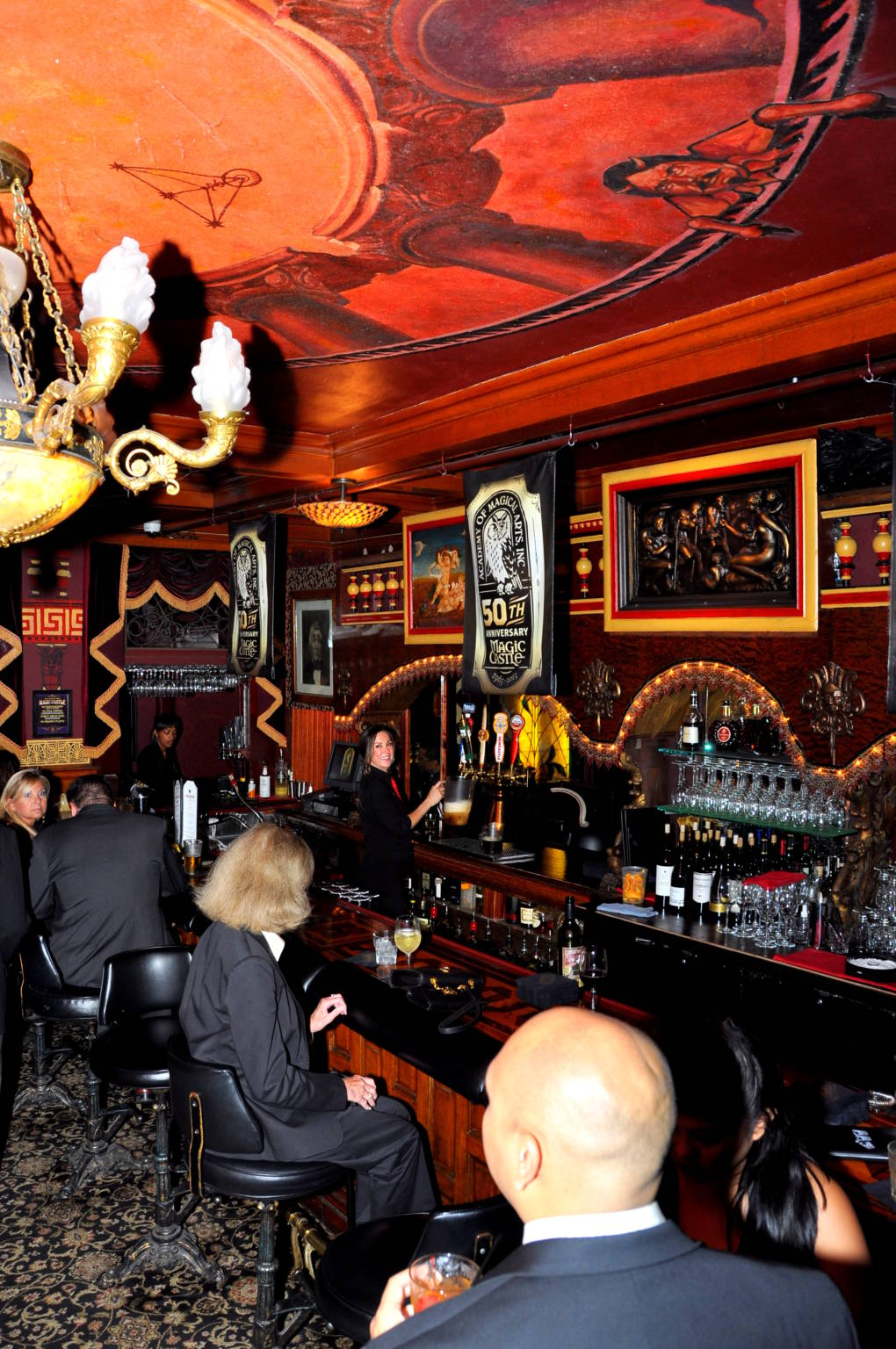 The Grand Salon Bar