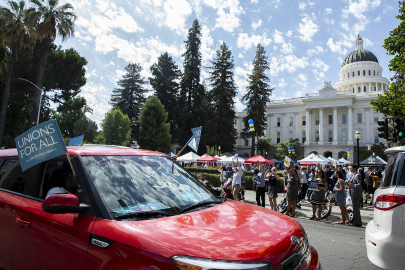 What Happens to Uber and Lyft Drivers If AB 5 Becomes Law