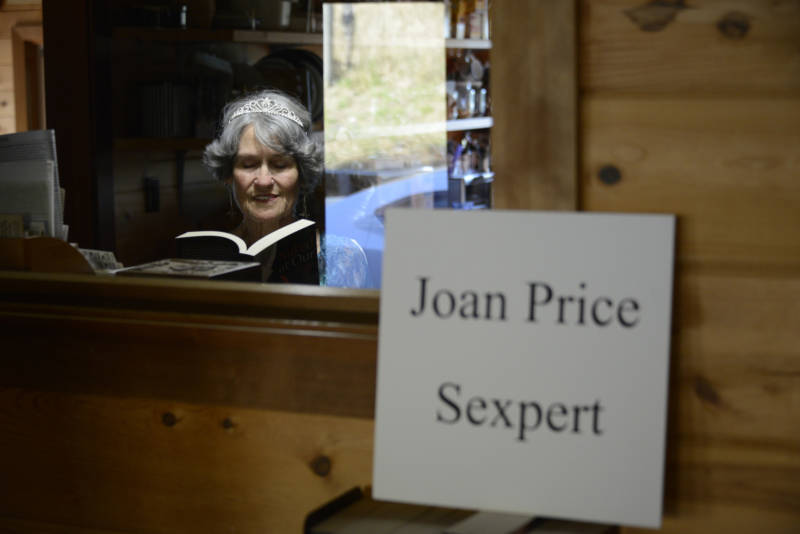 This 'Sexpert' Wants Seniors to Talk Dirty
