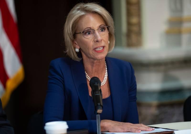 Betsy DeVos Overruled Education Department Findings on Defrauded Student Borrowers