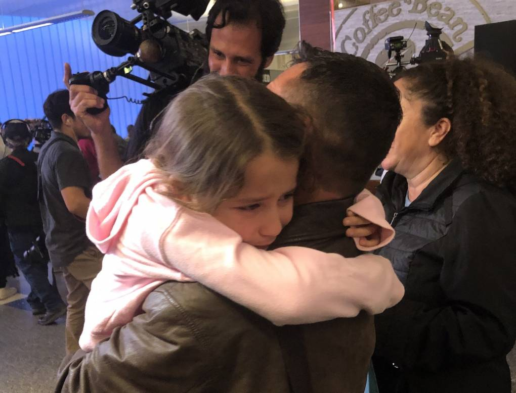 9 Separated Migrant Parents Return to Reunite With Kids