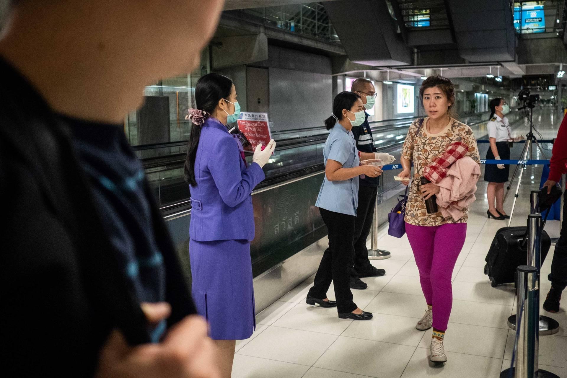 SFO and LAX to Screen Airline Passengers For New Strain of Coronavirus