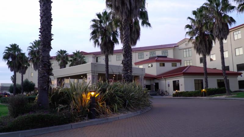 Hundreds of Coronavirus Evacuees Land in California, Prepare for 2-Week Quarantine