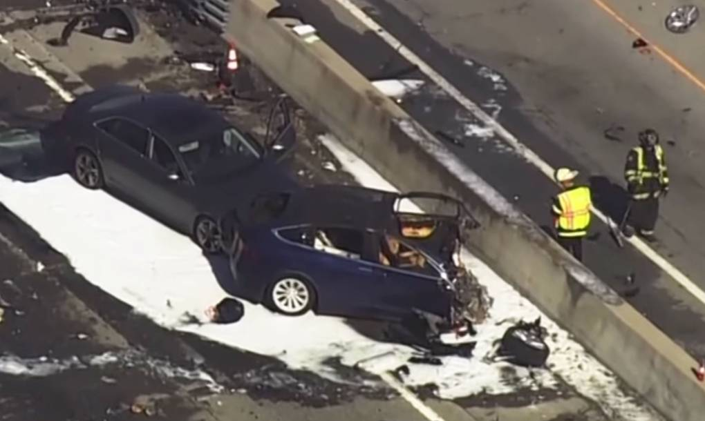 https://www.kqed.org/news/11801138/apple-engineer-killed-in-tesla-crash-had-previously-complained-about-autopilot