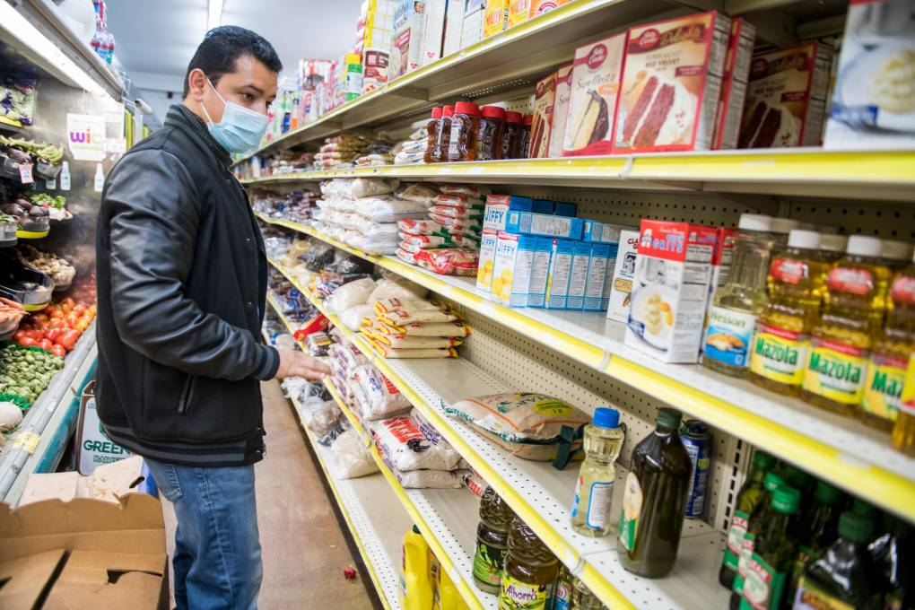 Grocers Serving Low-Income Neighborhoods Pinched by Shortages, Rising Prices | KQED News