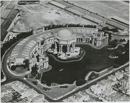 Arial shot of the Palace of Fine Arts in 1915