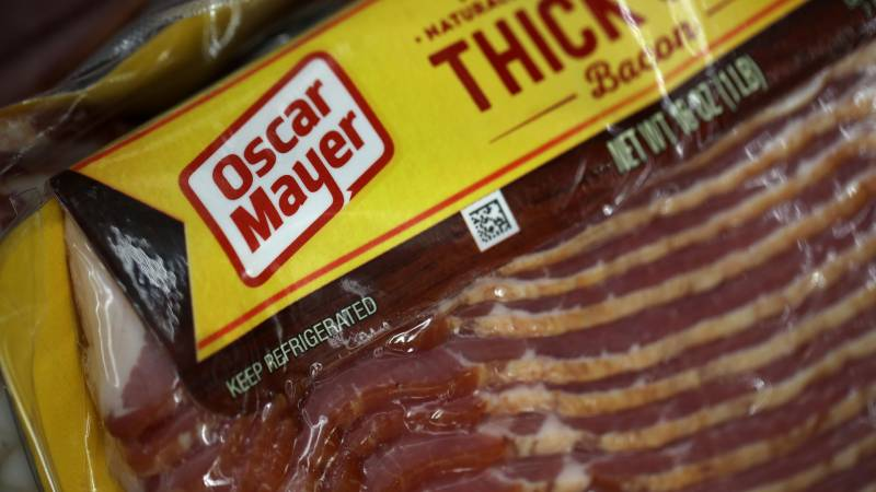 SAN RAFAEL, CALIFORNIA - FEBRUARY 22: A package of Oscar Meyer bacon is displayed on a grocery store shelf on February 22, 2019 in San Rafael, California. Kraft Heinz Co., maker of Kraft and Oscar Meyer products, reported a $12.6 billion fourth quarter loss and announced an Securities and Exchange Commission investigation into accounting policies with vendor agreements. The company also said it will cut its quarterly dividend by 36 percent. The company's stock plummeted 28 percent on the news.