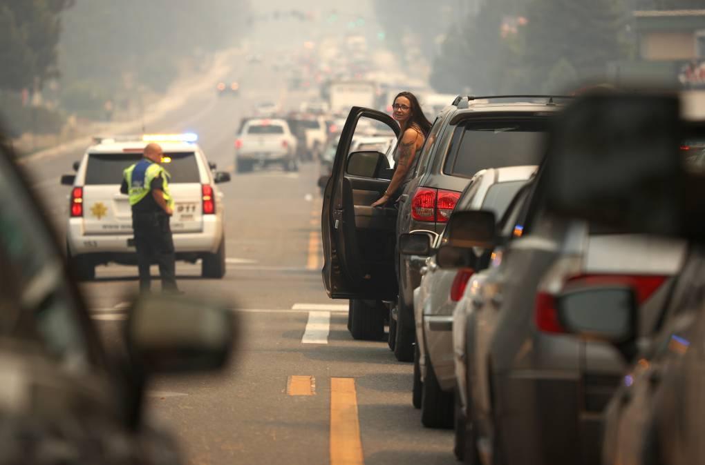 A line of cars full of evacuees leaving South Lake Tahoe