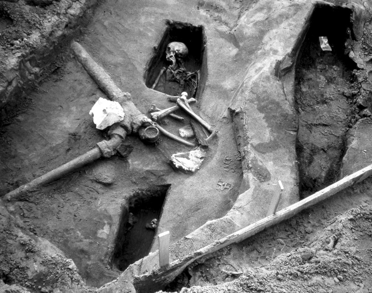 "Remains found during renovation at the Legion of Honor in San Francisco, 1993. From the Richard Barnes exhibit ""Still Rooms & Excavations."" (Colma Historical Association)"